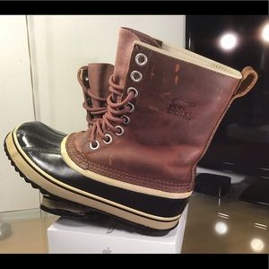 Sorel Women's 1964 Premium Leather Boot Size 6.